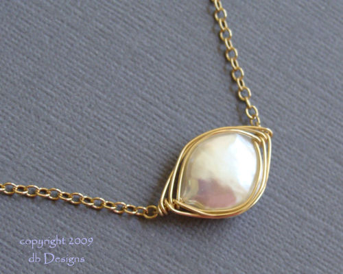 Gold woven wire bezel set Cultured Pearl Necklace-Gold woven wire bezel set Cultured Pearl Necklace, 14k Gold Filled Necklace simple everyday elegance, simply elegant bridal jewelry, Unique custom jewery gift for bridemaids graduates  moms